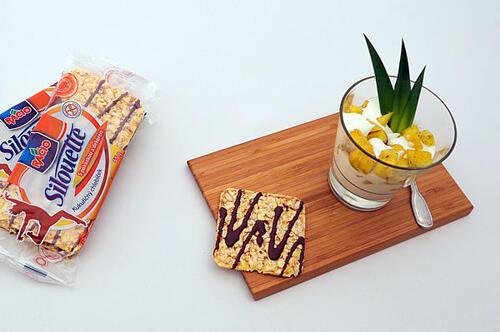 Medový ananás s jogurtem RACIO